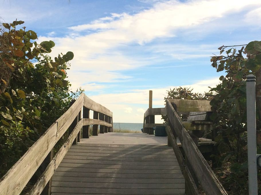 Beach Access - Only 3 blocks!