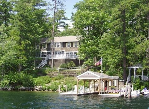 PET ✅ Winter Harbor Lakefront Home Accommodates 14