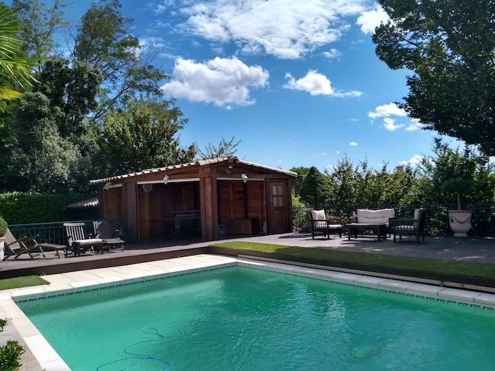 Charmant gîte avec piscine en Drôme Provençale