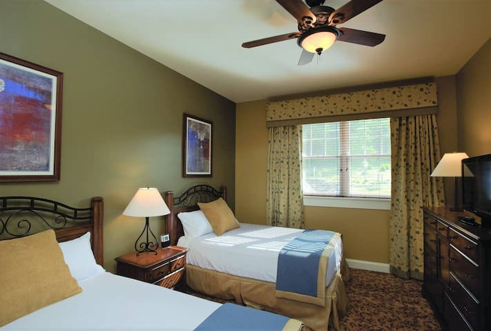 Guest room offers 2 comfy full beds