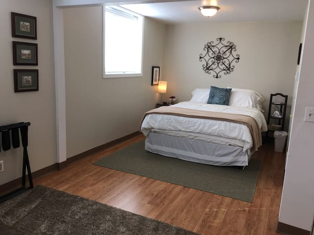The Music Studio: 2 Beds, 2 Baths - Pullman - Apartment