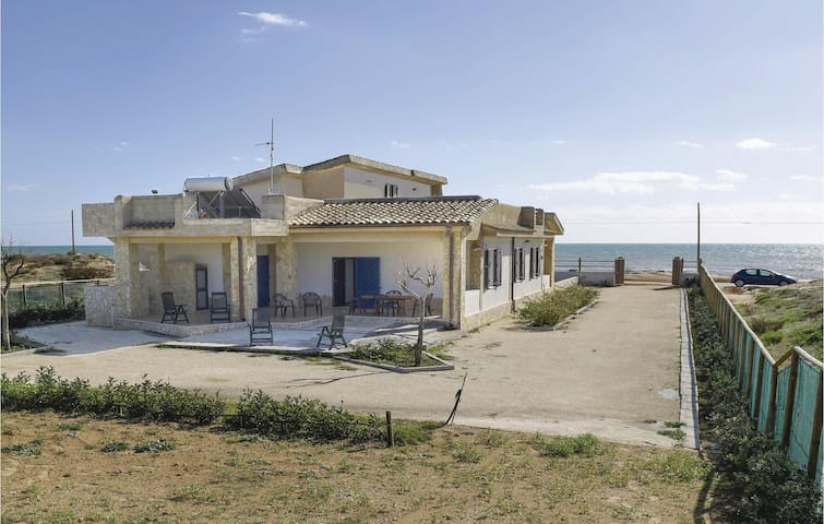 Semi-Detached with 2 bedrooms on 70m² in Campobello di Mazara