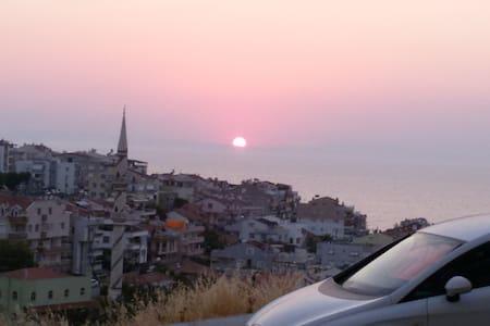 İzmir Dikili'de Deniz Manzaralı Kiralık LüxDaire - Dikili