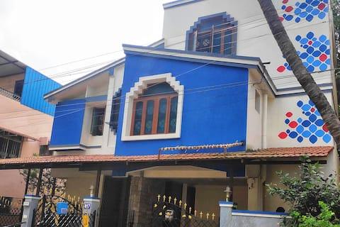 Sekar's Residence-Family/Long stays,AC rooms,Wifi
