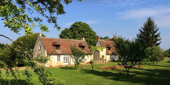 Lovely Cottage between Tours and Amboise