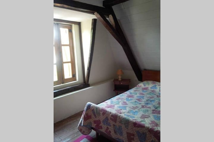 Charmante maison de village - Chambre double