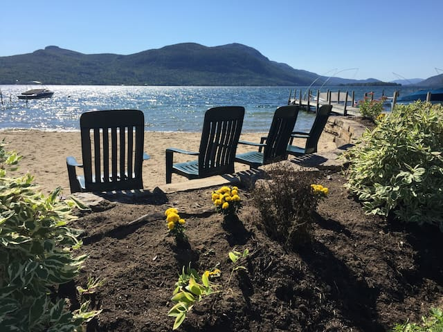 Perfect Kids-Pet Friendly Cottage on Lake George - Silver Bay - Huis