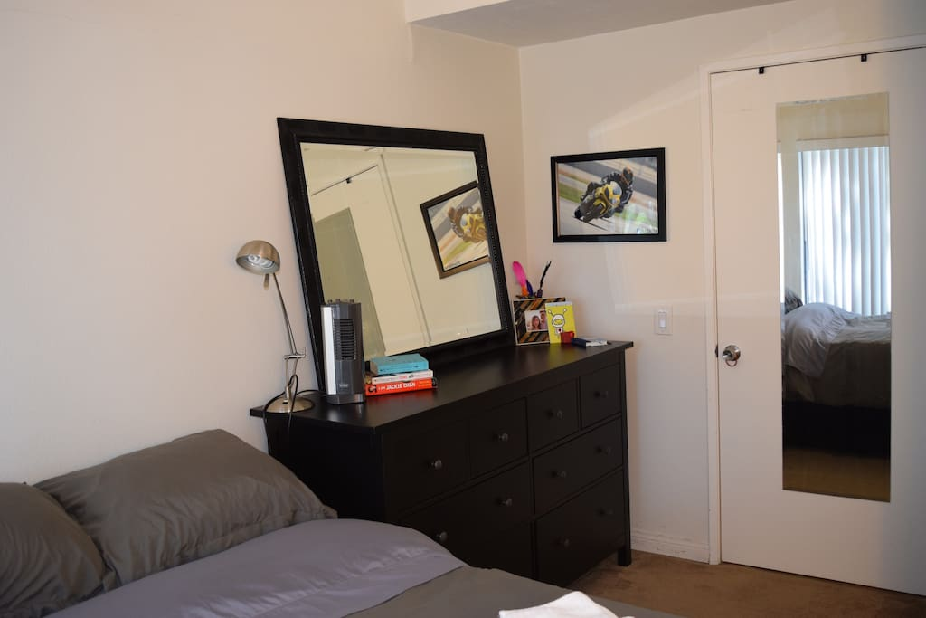 Bedroom (pic 2)