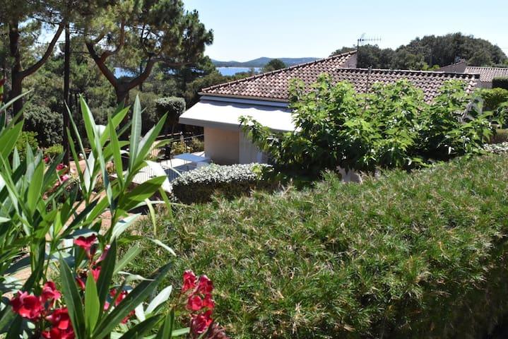 Mini-villa avec accès bord de mer