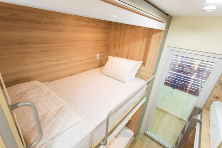 NEW 100% BACKPACKERS VILLAGE ROOM FOR GROUP 16 PAX - Ho Chi Minh City - House