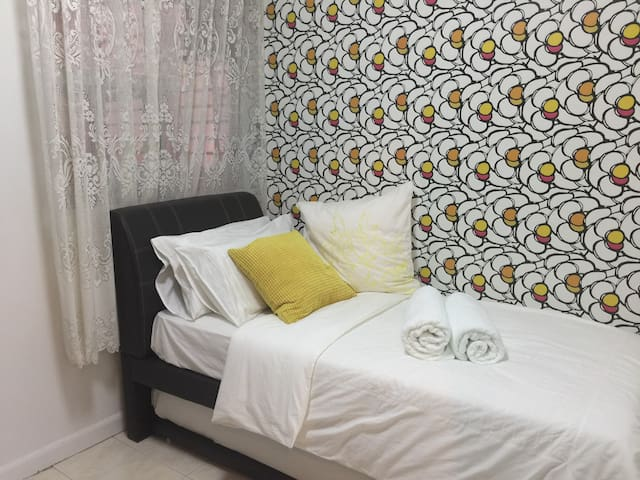 3BR, Hi-speed Internet & Android TV - Petaling Jaya - Apartment