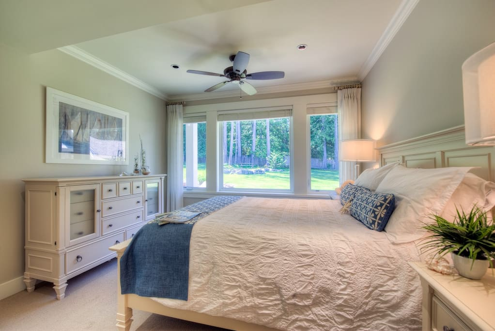 3.Luxurious Master Bedroom retreat  beautiful ceiling fan, and high end finishes.   Makes you feel like you just woke up in a 5 star Hotel  A Dream