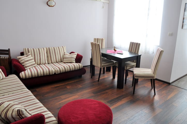 Cozy apt in the heart of Burgas - Burgas - Appartement