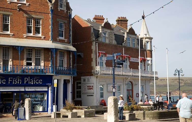 Gorgeous pet friendly room in centre of  Swanage - Swanage - Wohnung