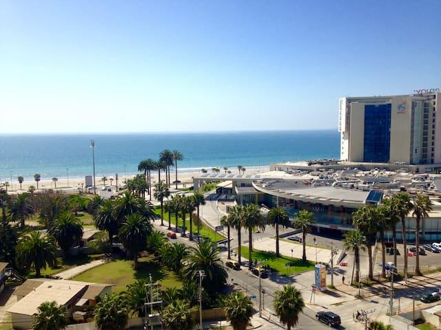 Lujoso departamento frente al mar y Casino Enjoy