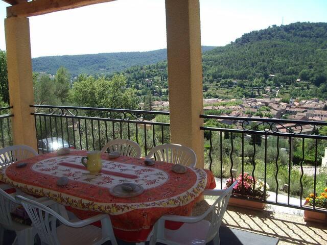 Grand gîte vue sur Salernes - Salernes - Apartamento