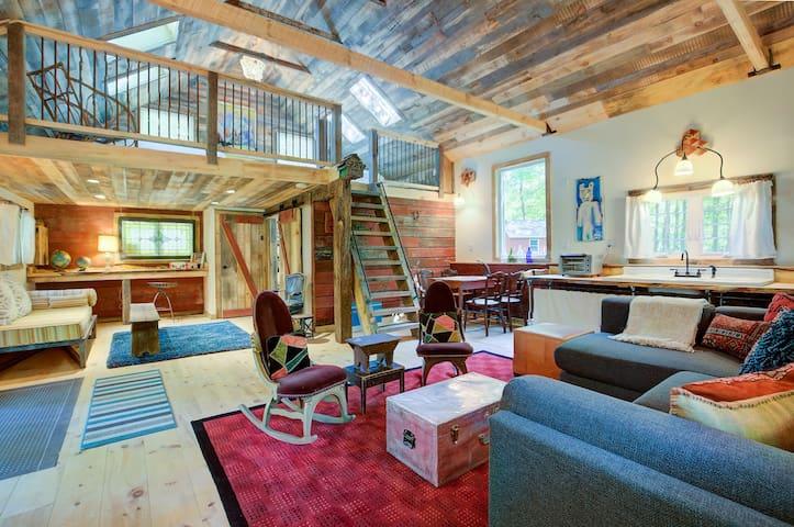 Platte Clove Cottage Historic Homestead & Barn