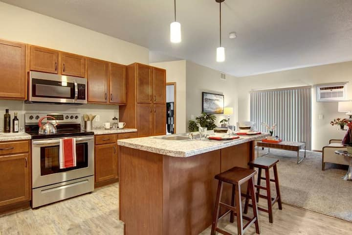 Modern Upscale Apartment Home! 15mins From Dallas
