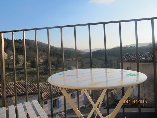 Entre Ventoux & Lavandes: Eglantine - Aurel - Penzion (B&B)