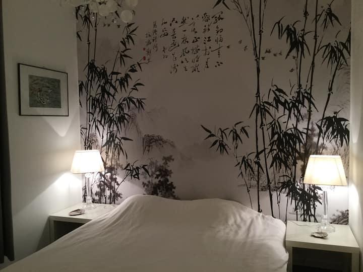 Chambre dans une villa unique.
