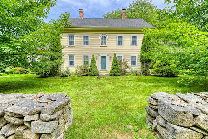 Picturesque 2-Story Farmhouse w/Private Hot Tub, Large Yard & Orchard, Free WiFi