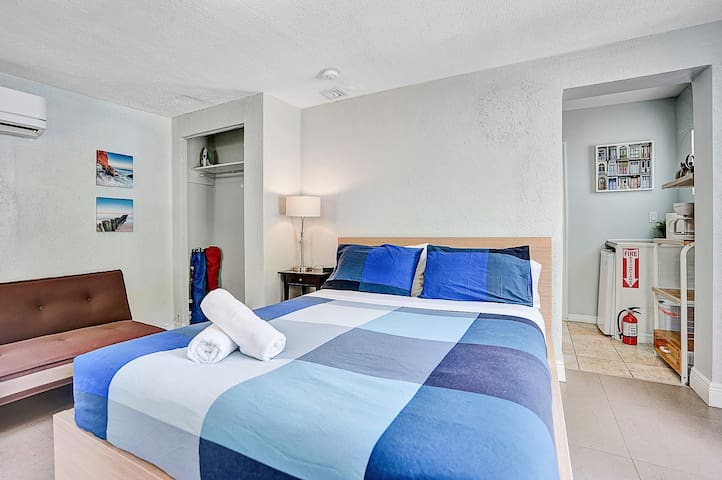 Queen Suite_No cleaning fee_6min to Port & Airport
