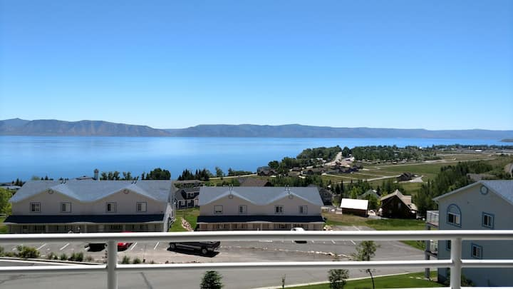 Lake View Condo 890 # 2 (Free Wi-Fi)