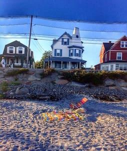 10 STEPS TO BEACH/OCEAN VIEW - York