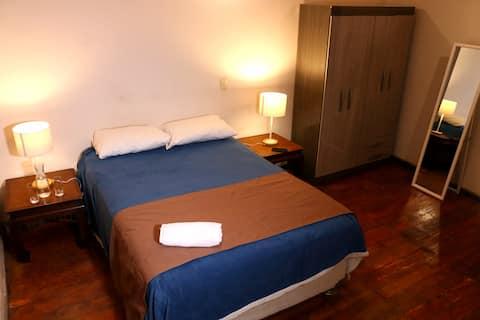Centro del Cusco | Habitación con baño privado