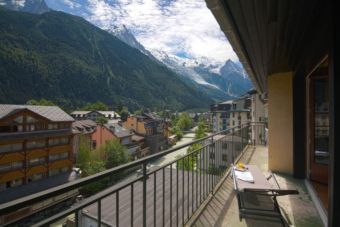 Balcony with Mont-Blanc view