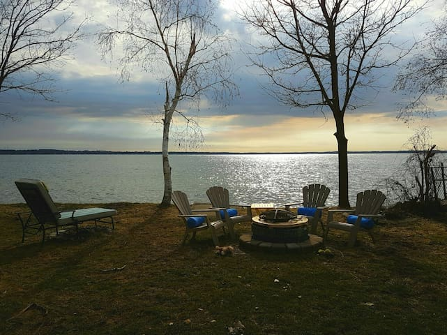 Summer cottage on lake Simcoe/calm - Innisfil - Casa