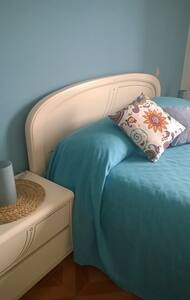 Ampia camera matrimoniale con balcone - Montesilvano - Bed & Breakfast