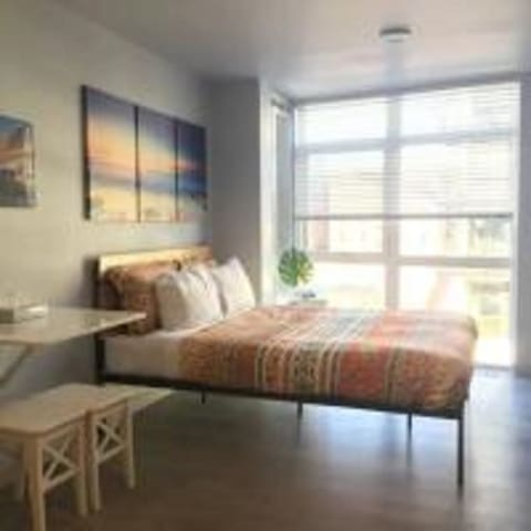 Clean, Bright and Serene Studio in Belltown! 402
