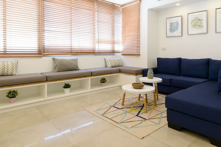 Modern&Chic 2BR apartment in the heart of the city