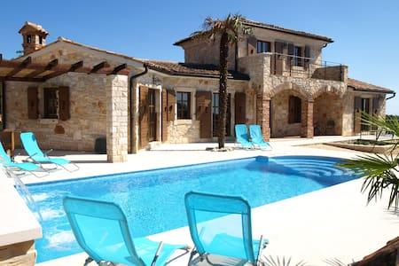 Luxury Stone Villa in Mofardini - Kringa - Villa