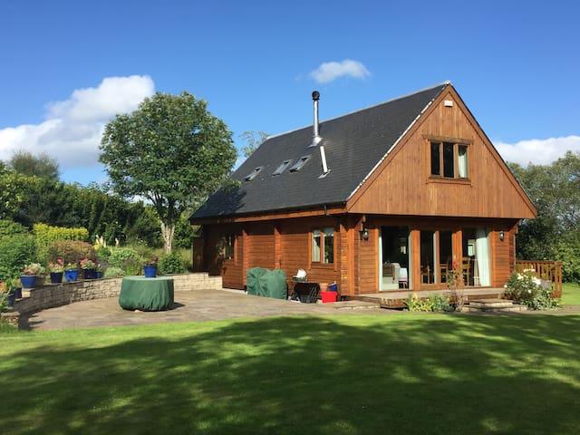 Delightful rural retreat in central Scotland