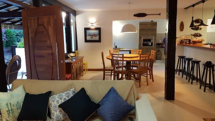 Casa em Búzios a poucos metros da praia de Geribá!
