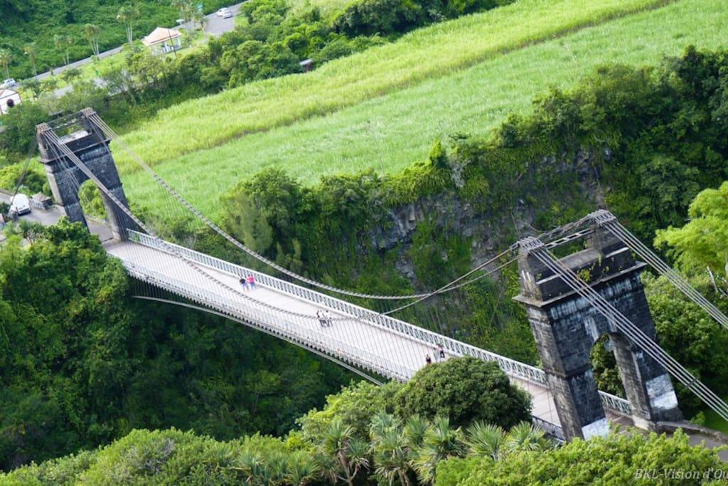 pont de la riviere de l'est