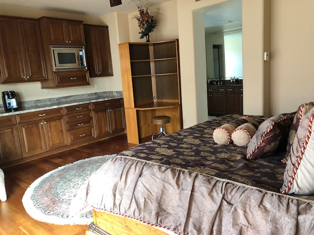 Paradise valley guest suite 2nd floor