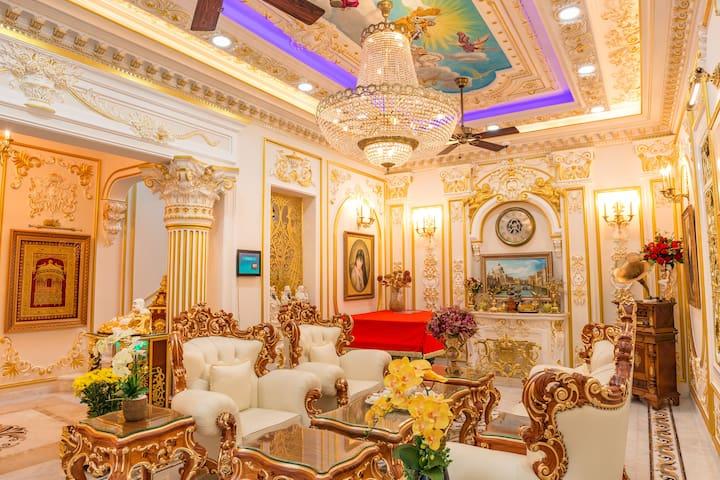 The Saigon Royal Experience