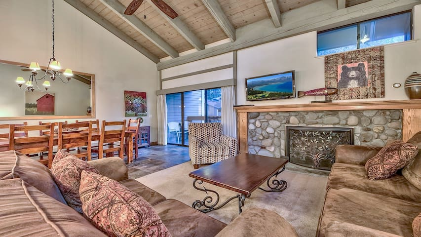 Updated spacious townhome steps from Lake Tahoe