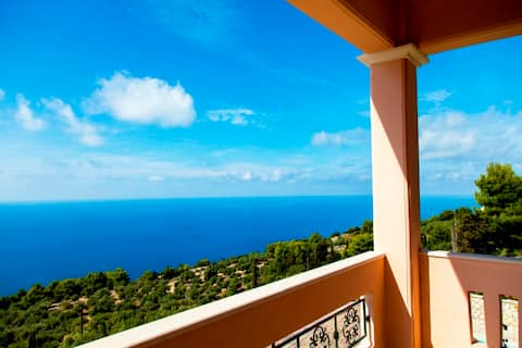 Private, pool, sunsets, beaches, amenities - Eleni