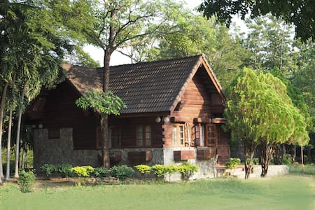2-story golf lodge (15+ guests) - Khao Yoi