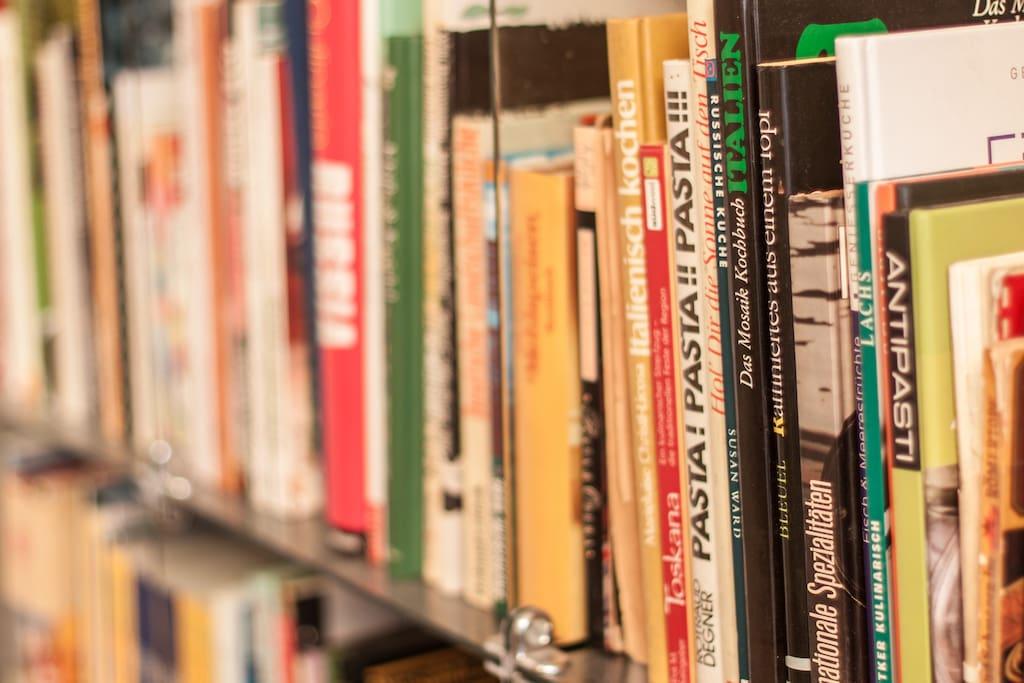 Gästezimmer- WLAN, (Sach)Bücher + DVDs  zur kostenfreien Nutzung