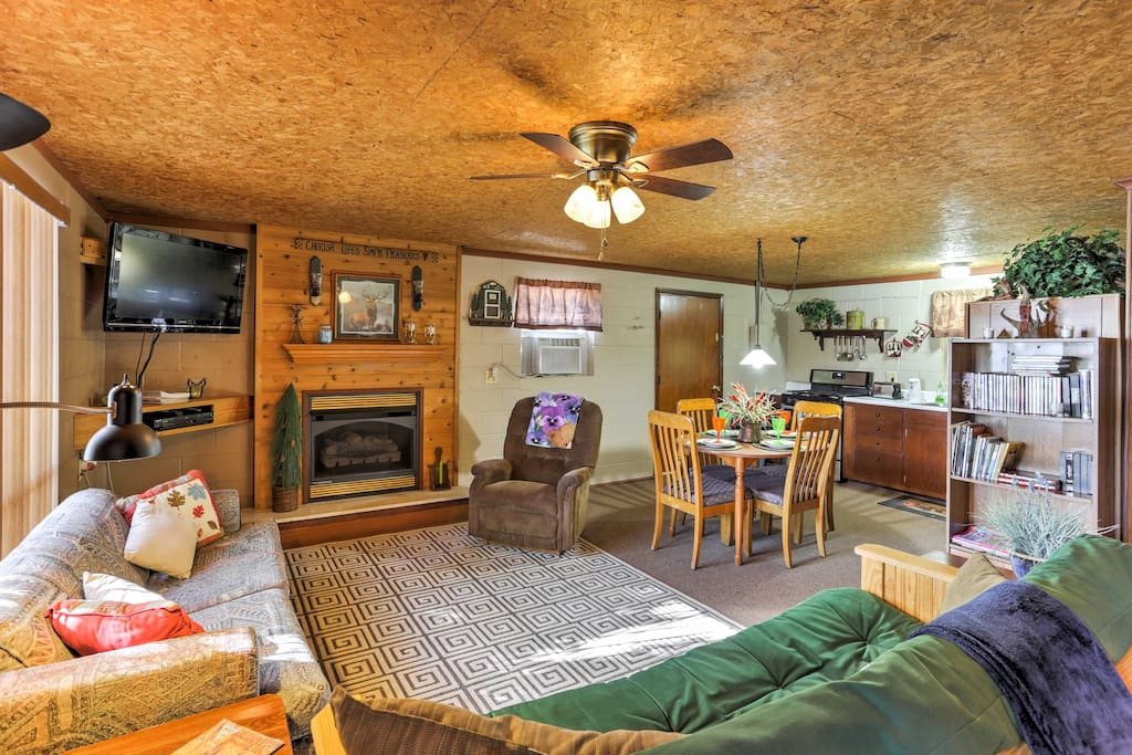 The cabin has a rustic interior, perfect for getting away from it all for a relaxing vacation!