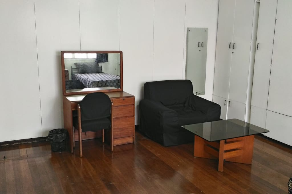 Room For Rent Maginhawa