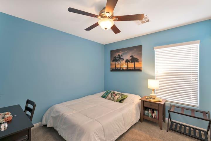 The Maui Room - Home comfort with a modern twist