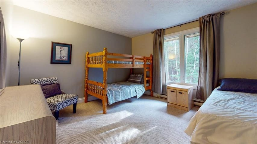single bed and bunk bed