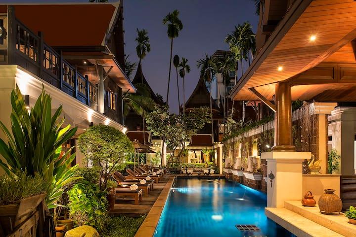 Davis Thai House, Villa 1