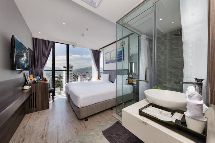 PREMIUM TWIN/DOUBLE IVY HOTEL NHA TRANG